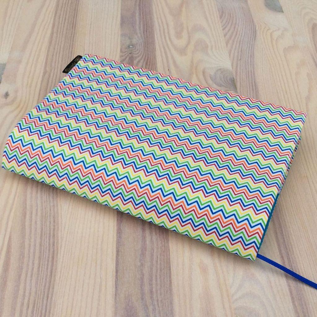Obal na knihu Zigzag barevný