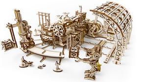 Obrázok Dřevěný mechanický model Továrna na roboty